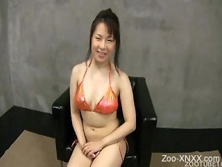 Japanese brunette gets nicely dicked by her own black dog